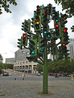 Traffic Light Tree, Heron Quay