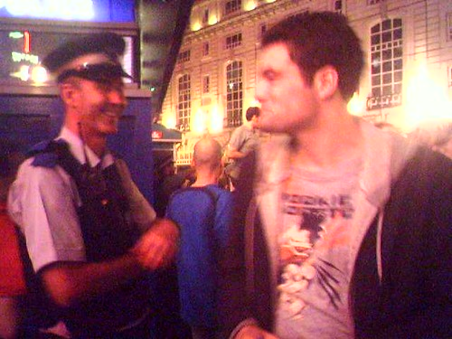 Hanno talking to Policeman