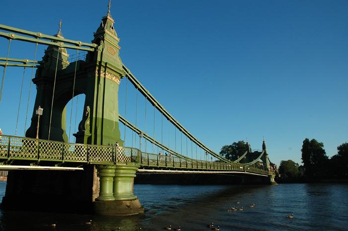 Hammersmith Bridge :: Click for previous photo