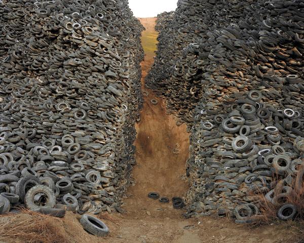 Burtynsky - tires