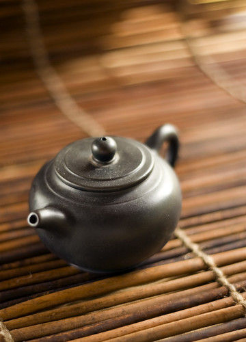 small black tea pot