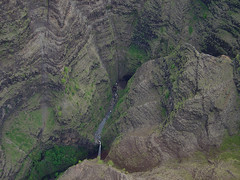 Waimea Canyon - small Waterfall