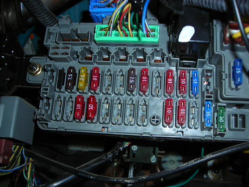 foglight install 92 eg hatch honda tech fuse box still unsure ware to put the yellow wire in the pic below