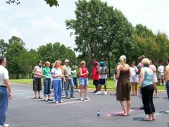 Tossing waterballoons
