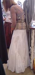 LA (long skirt) style