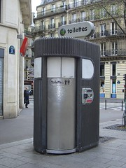 paris toilet