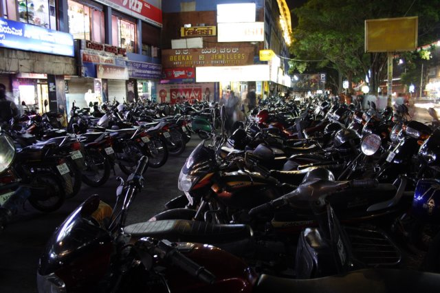 Parking in Jayanagar