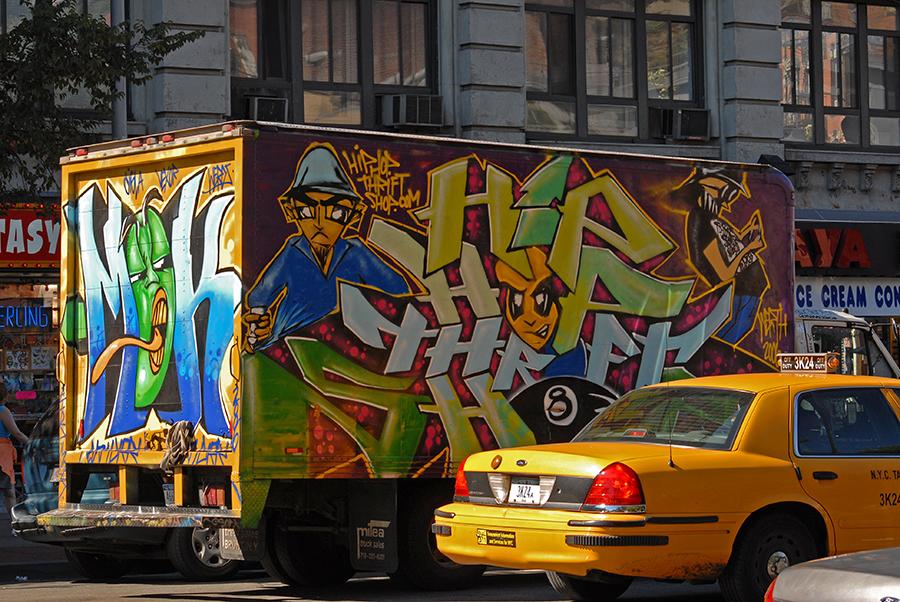 truck graffitti