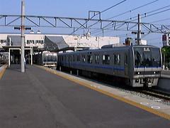 JR尼崎駅と207系