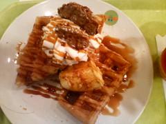 Pudding waffles at Honey Bee in Tachikawa