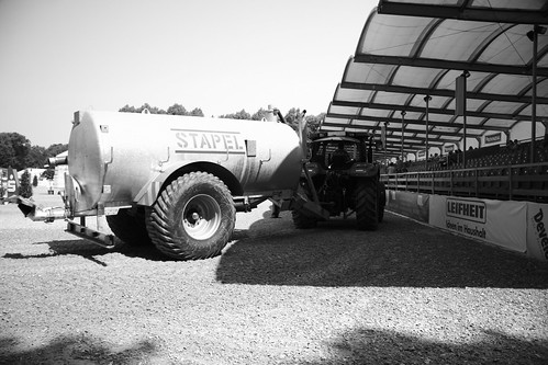 Le tracteur-citerne-d'eau
