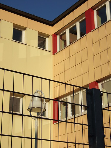 Digitalkamera Fujifilm F10 - Digital-Foto der Heinrich-Wolgast-Schule