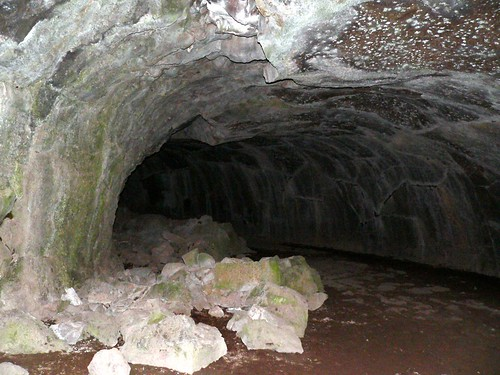 subway cave1