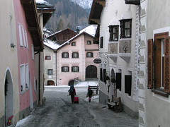 Narrow street in Scuol Sot