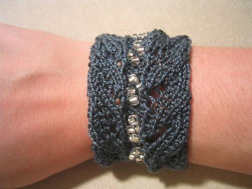 Knitted Bracelets Free Patterns : knitted cuff bracelets - KNITTING
