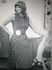 Vintage Dress pattern w/o sleeves - 1972