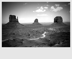Monument Valley Composition photo by Vancayzeele Olivier