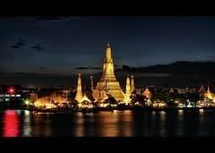 Last Light over Wat Arun (Temple of Dawn) | Bangkok photo by I Prahin | www.southeastasia-images.com