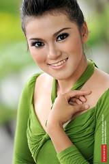 Foto Model Cantik untuk Produk Kecantikan | Portrait Photography photo by Fotografer Pernikahan Pre Wedding Jogja Yogyakarta