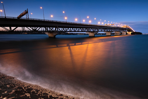 Auckland Harbour Bridge photo by Danskie.Dijamco.Photography