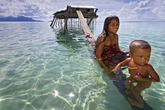 Mother & Child (The Bajau Laut) photo by spintheday