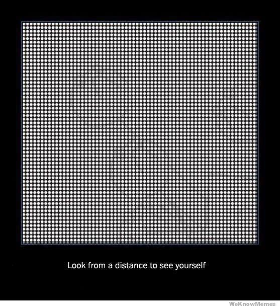 Spójrz na kwadracik z pewnej odległości...