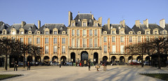 Place des Vosges photo by Laurent photography
