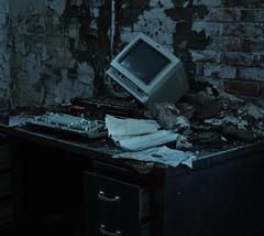 Messy Desk photo by Buckeye04