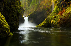Punchbowl Falls photo by Bill Ratcliffe