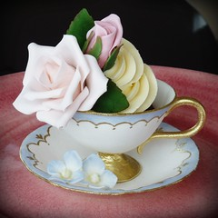 All Sugar Teacup photo by Mina Magiska Bakverk (My Magical Pastries)