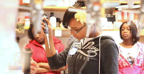 365@VU: 73                - Science comes alive for middle school students during Vanderbilt lab visit