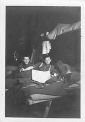 Angleterre- Old Dean Camp dans une hut - J Denel 29 janvier 41 - Fonds Jean Mathieu Boris