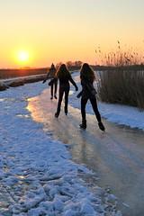 Ice skating girls photo by Stefan Schinning