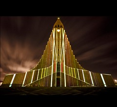 Laser show at Hallgrímskirkja church photo by Pétur Gunn Photograpphy