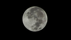 Lua cheia (full moon) photo by Roni Gomes
