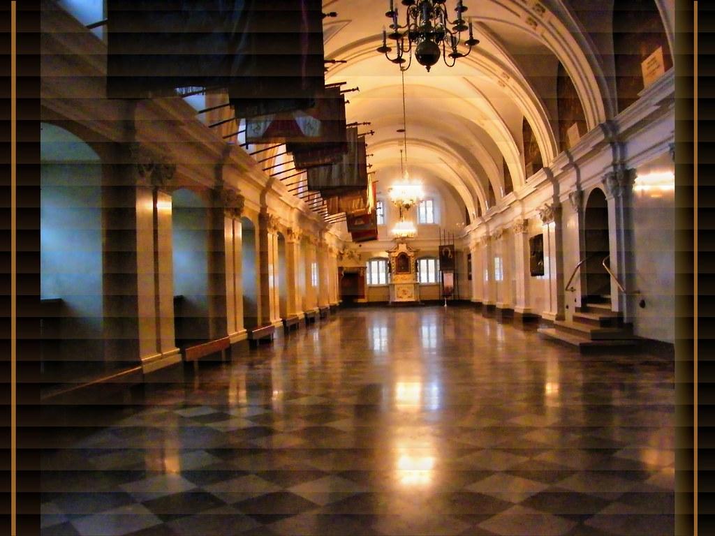 Częstochowa, Jasna Góra, the Knights' Hall photo by MadonnaJ