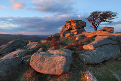 Saddle Tor photo by @Gking_photo
