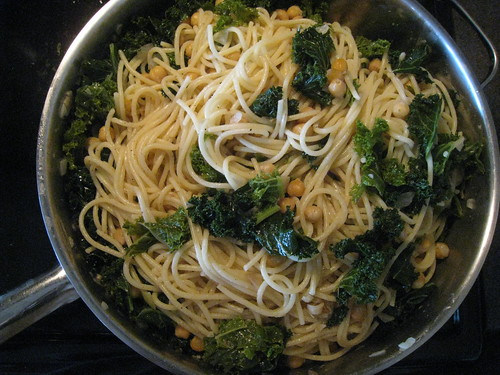 Spaghetti with Garlic, Chickpeas and Braised Kale