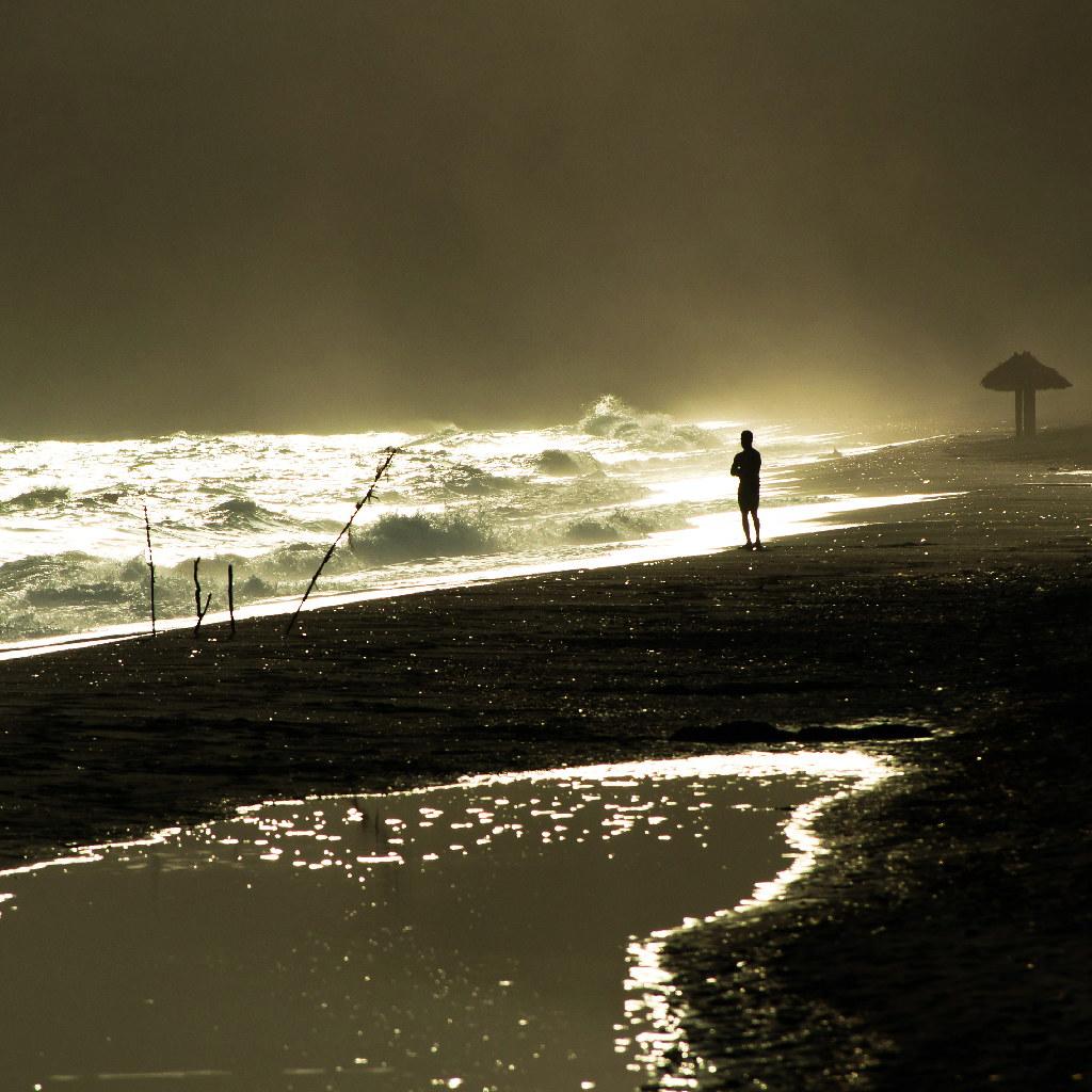 light desert photo by Vasilis Amir