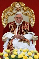 Pope Benedict enthroned in Poland2