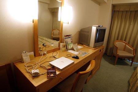 washington hotel desk