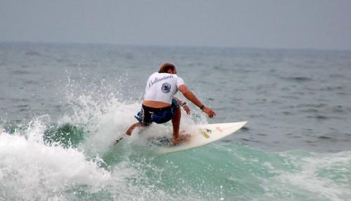 195629348 c0e5821382 LOS MEJORES SURFISTAS DE LA ESCENA NACIONAL COMPITEN EN LA PRIMERA PRUEBA DEL CIRCUITO BALLANTINE'S GO SURF EN SOPELANA  Marketing Digital Surfing Agencia