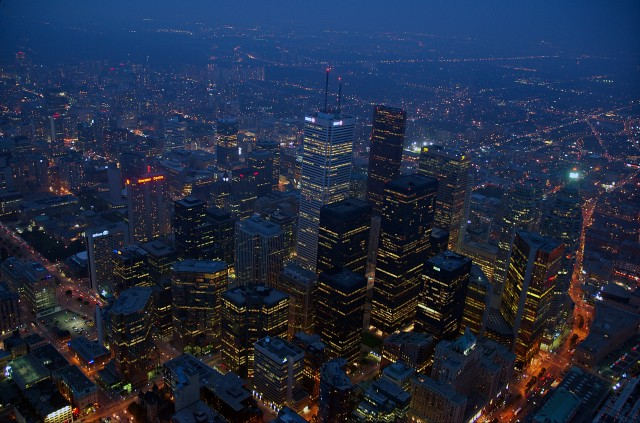 Toronto by night, CN tower