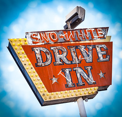 Sno-White Drive In photo by Shakes The Clown
