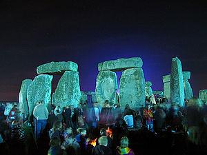 Stonehenge_Summer_Solstice_eve_02