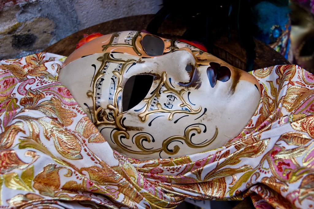 IMGP1660 ITaly Venice Mask photo by Dave Curtis