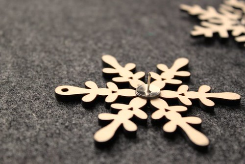 DIY Snowflake Push Pins