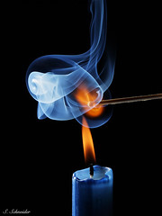 Explode photo by Sebastian.Schneider