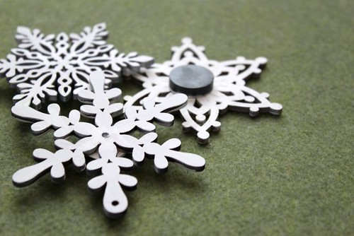 Snowflake Magnets/Pins