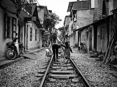 Living on the Tracks, Tran Phu - Hanoi photo by adde adesokan
